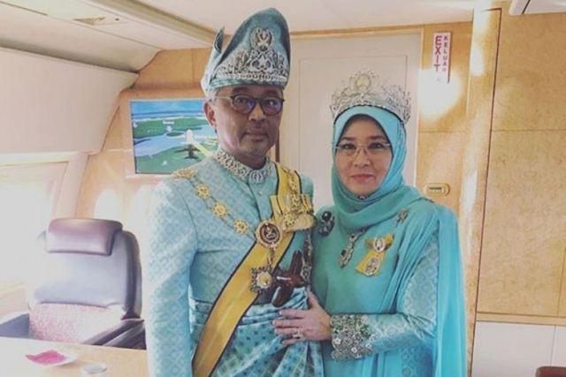https: img.okeinfo.net content 2020 03 26 18 2189348 raja-dan-ratu-malaysia-dikarantina-setelah-7-staf-istana-positif-virus-corona-MFRvkCNDGt.jpg