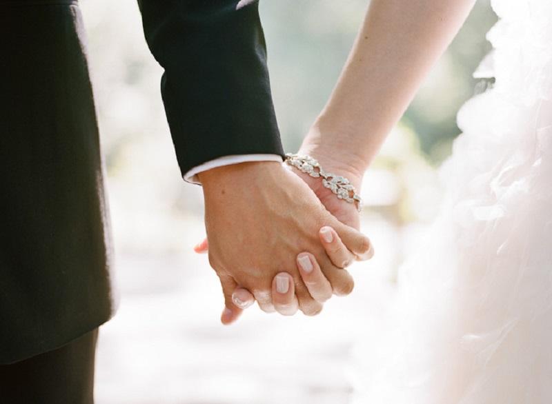 https: img.okeinfo.net content 2020 03 31 614 2191855 muslimah-mau-menikah-di-tengah-wfh-jangan-khawatir-kua-lakukan-pencatatan-nikah-via-online-DsNyStZZ8z.jpeg