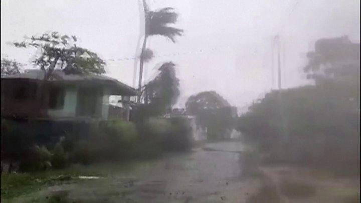 https: img.okeinfo.net content 2020 04 06 18 2194929 badai-kategori-5-hantam-vanuatu-setelah-tewaskan-27-orang-di-kepulauan-solomon-jdr3OdLmV9.jpg