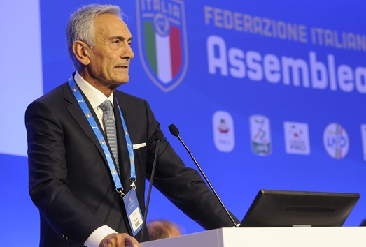 https: img.okeinfo.net content 2020 04 20 47 2202033 presiden-figc-akan-lakukan-segala-cara-untuk-lanjutkan-liga-italia-NrdGN8Zcny.jpg