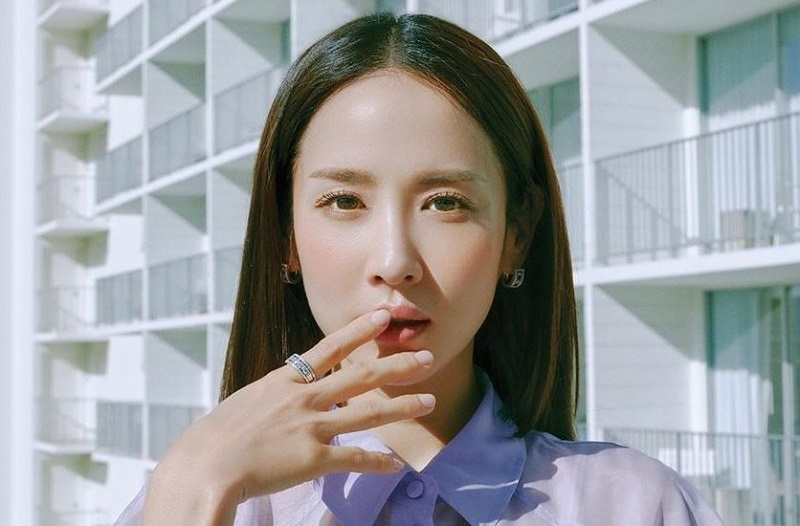 https: img.okeinfo.net content 2020 04 29 598 2206452 aktris-parasite-jo-yeo-jeong-pertimbangkan-bintangi-drama-bertema-perselingkuhan-43VdVbUECT.jpg