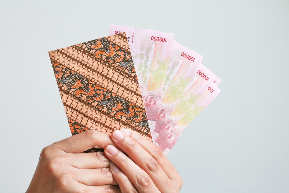https: img.okeinfo.net content 2020 05 16 320 2214976 thr-macet-hingga-pelarangan-mudik-bagaimana-nasib-ekonomi-indonesia-2BEkLudAg6.jpg