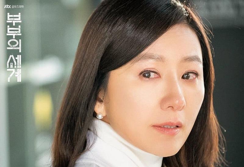 https: img.okeinfo.net content 2020 05 16 598 2214942 the-world-of-the-married-cetak-rekor-rating-baru-drama-lee-min-ho-semakin-terpuruk-xdB9QQW9KY.jpeg