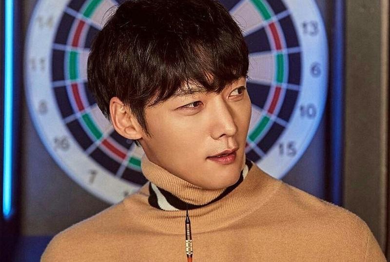 https: img.okeinfo.net content 2020 05 20 33 2217322 choi-jin-hyuk-akan-jadi-zombie-dalam-drama-baru-kbs-S5IZNpgIVi.jpg