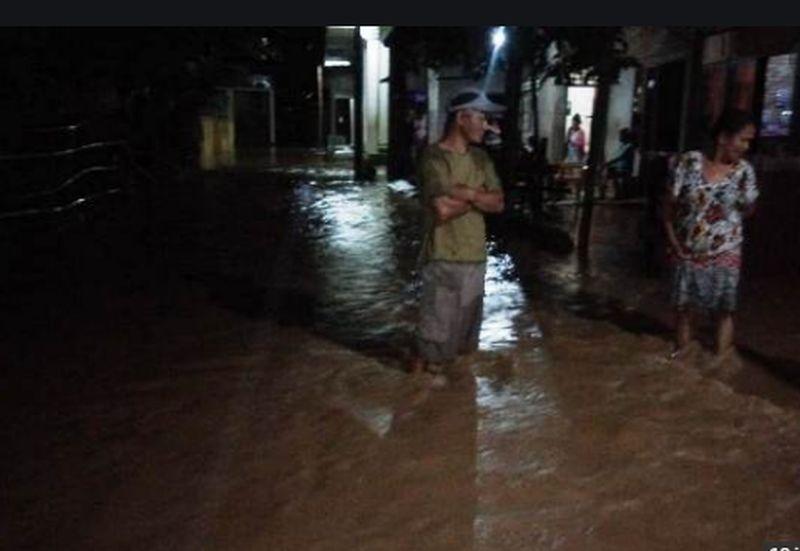 https: img.okeinfo.net content 2020 05 22 340 2218079 banjir-masih-rendam-polewali-mandar-aktivitas-warga-lumpuh-tIJPRx05ci.jpg