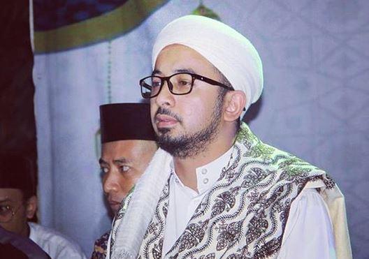 https: img.okeinfo.net content 2020 05 22 614 2218119 menangisi-kepergian-ramadhan-OXDTITAKVc.JPG