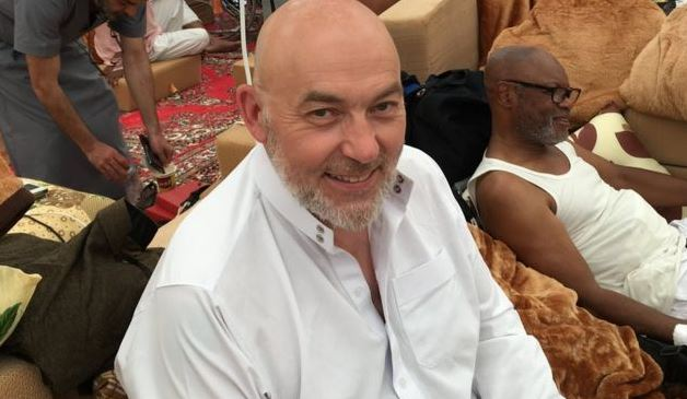 https: img.okeinfo.net content 2020 05 25 614 2219145 pengalaman-spiritual-rooney-di-padang-arafah-masuk-islam-usai-mendengar-adzan-3TlZIhuEyt.JPG