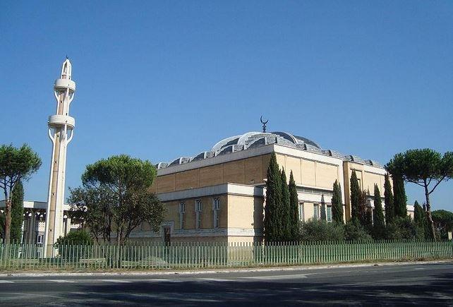 https: img.okeinfo.net content 2020 05 25 614 2219278 corona-mereda-masjid-masjid-di-italia-mulai-dibuka-10p2Ee7dKP.JPG