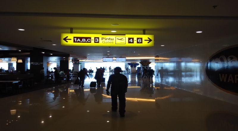 https: img.okeinfo.net content 2020 05 26 320 2219905 pasca-lebaran-belum-ada-peningkatan-penumpang-di-bandara-soetta-U5dXKu0adW.jpg