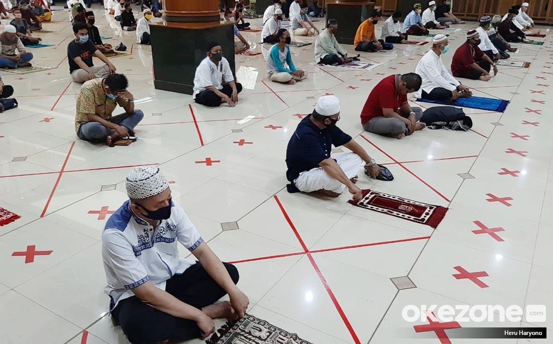 https: img.okeinfo.net content 2020 05 29 337 2221681 masjid-di-wilayah-psbb-gelar-sholat-jumat-ini-sikap-muhammadiyah-okCPPe9exz.jpg