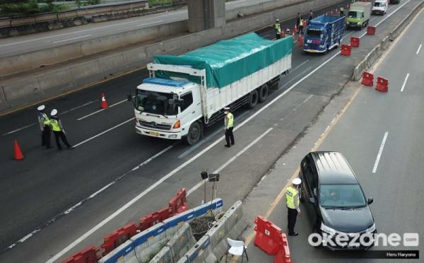 https: img.okeinfo.net content 2020 05 29 338 2221741 jasa-marga-4-599-kendaraan-menuju-jakarta-dialihkan-KCT0X1wEjy.jpg