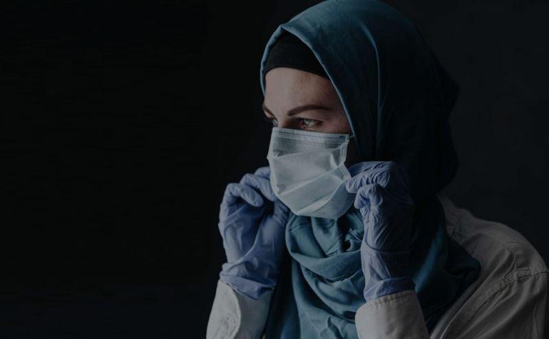 https: img.okeinfo.net content 2020 06 01 614 2222798 desainer-ini-sediakan-hijab-khusus-untuk-tenaga-medis-covid-19-vgyBesMAiQ.JPG