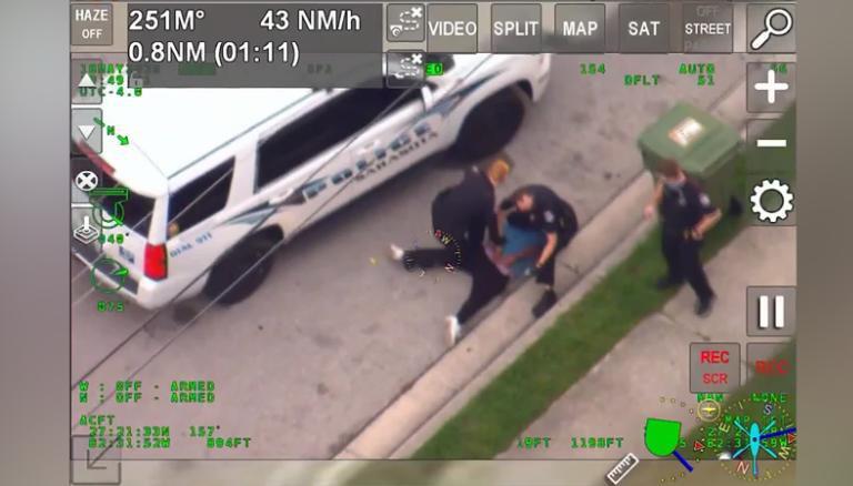 https: img.okeinfo.net content 2020 06 04 18 2224605 mirip-penahanan-floyd-polisi-florida-terekam-tindih-leher-pria-kulit-hitam-dengan-lutut-xZfFyE8sWL.jpg