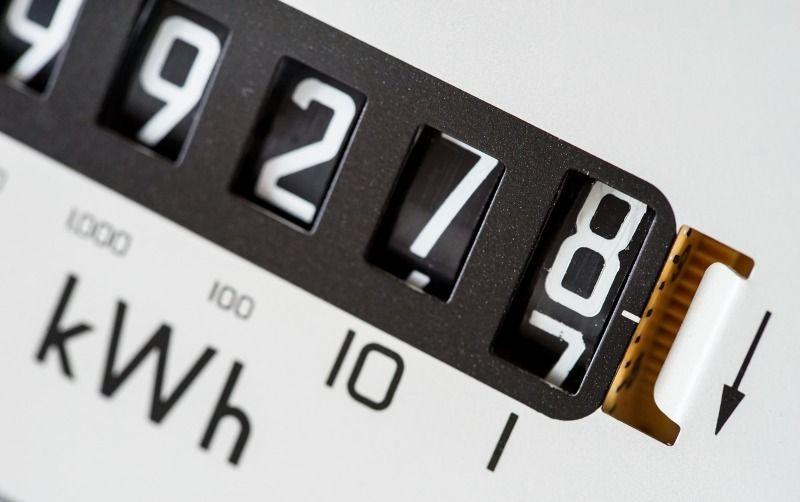 https: img.okeinfo.net content 2020 06 06 320 2225418 jangan-kaget-listrik-mahal-begini-ilustrasi-hitung-hitungan-pln-soal-perlindungan-tagihan-WOKUfClHki.jpg
