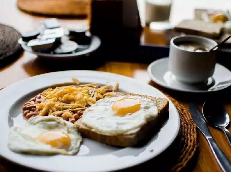 https: img.okeinfo.net content 2020 06 28 481 2237789 diet-turunkan-berat-badan-begini-4-cara-kurangi-porsi-makan-yrfVyM4y17.jpg