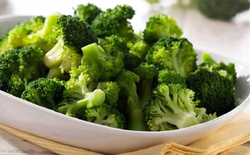 https: img.okeinfo.net content 2020 06 29 298 2238362 brokoli-cocok-dikonsumsi-di-era-pandemi-salah-satu-manfaatnya-tingkatkan-imunitas-PAREWTInEA.jpg