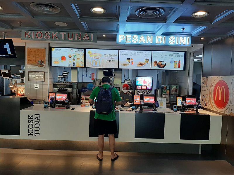 https: img.okeinfo.net content 2020 06 29 320 2238336 rugi-rp1-347-triliun-restoran-di-dunia-hapus-menu-makanan-yang-tak-penting-UjBQyqP76a.jpg