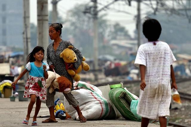 https: img.okeinfo.net content 2020 06 29 320 2238418 angka-kemiskinan-melonjak-antisipasi-kondisi-terburuk-dipersiapkan-zHMaQdPh2Z.jpg