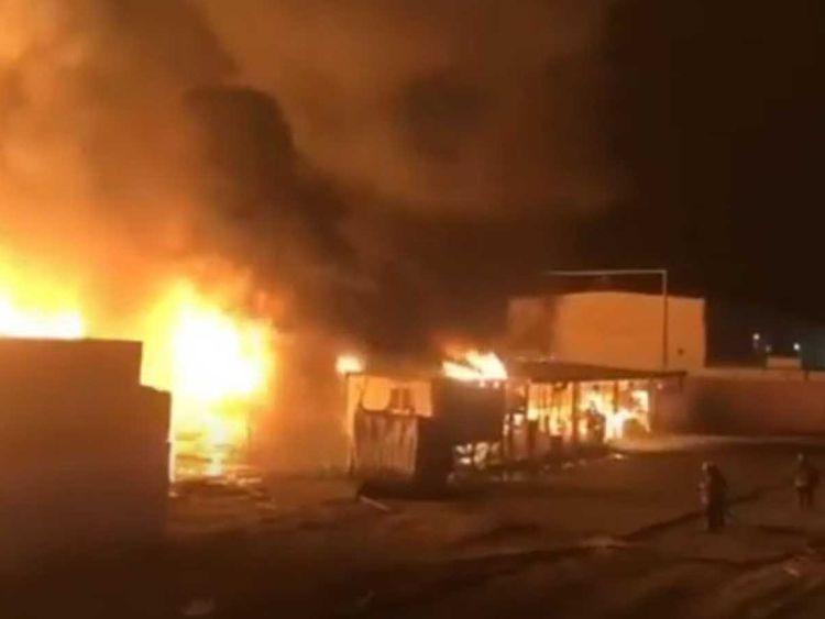 https: img.okeinfo.net content 2020 06 30 18 2238901 kebakaran-besar-landa-pelabuhan-kuwait-hanguskan-lebih-dari-3-000-mobil-baru-pX1QPWaMhE.jpg