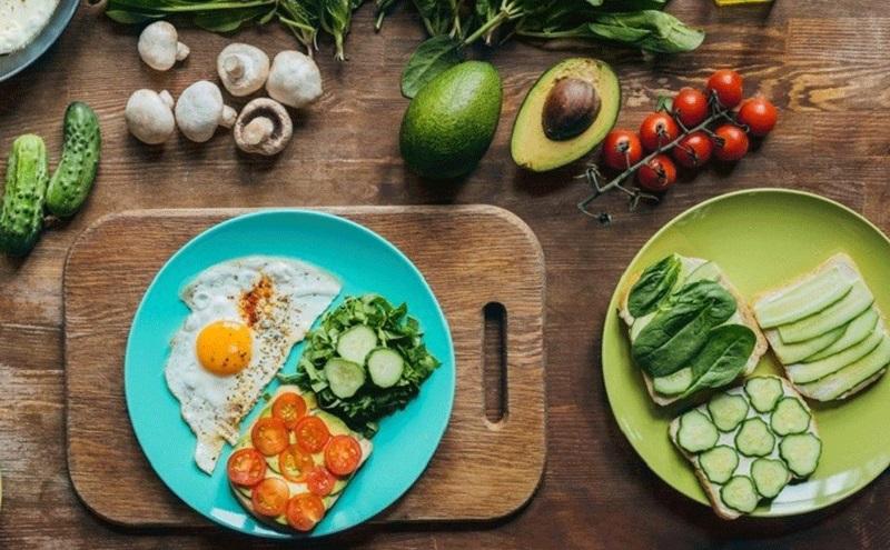 https: img.okeinfo.net content 2020 06 30 298 2238898 mau-diet-keto-ini-efek-sampingnya-l89UG3E1Ms.jpg