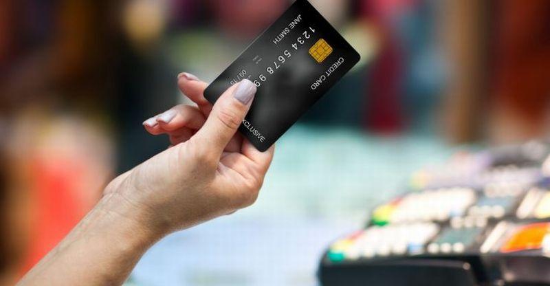 https: img.okeinfo.net content 2020 06 30 320 2239097 ingat-mulai-hari-ini-transaksi-kartu-kredit-wajib-pakai-pin-K4J58T3X3f.jpg