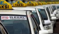 Gara-Gara Aturan <i>Taksi Online</i> Dibatalkan, Pefindo Turunkan Rating Express