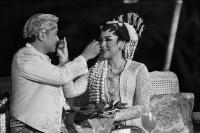 VIDEO  Budaya Jawa Hiasi Janji Suci Pernikahan Vicky Shu dan Ade Imam