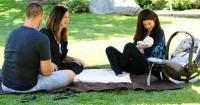 Keren! Selena Gomez Berikan Pesan Inspiratif kepada Adik Perempuan