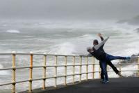 Badai Ophelia Tewaskan 3 Orang di Irlandia, Kini Inggris Bersiap dengan Hantaman Badai Brian