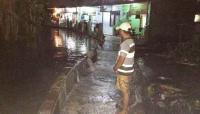 Tanggul Kali Jebol, Ratusan Rumah di Jatipadang Kebanjiran