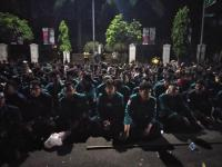 Massa Demo di Depan Istana Masih Bertahan hingga Tengah Malam, Polisi: Semua Aman dan Tertib