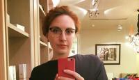 Astaga! Ditusuk di Leher, Jurnalis Cantik Rusia Derita Luka Serius