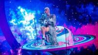 Panggung Apung Macet saat Konser, Katy Perry Terdampar di Luar Angkasa!