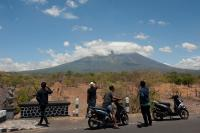 Gunung Agung Meletus, Perindo Karangasem Anjurkan Warga Berhati-hati terhadap Hujan Abu