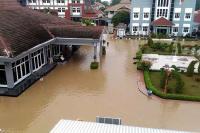 Kompleks Perkantoran Bupati Kendal Kebanjiran, PNS Sulit Beraktivitas