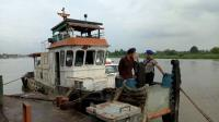 Bawa 135 Ton BBM Ilegal, <i>Tugboat</i> di Sungai Musi Diamankan Polisi