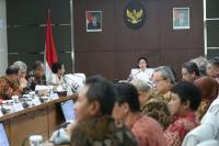 Pemerintah Tegaskan Penyaluran Bantuan Nontunai dan Bansos Rastra 2018 Tepat Waktu