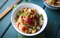 Sensasi Unik Melahap Nasi Ayam Selai Stroberi