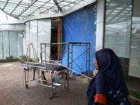 Mobil Tabrak Lobby RS di Tangerang, 6 Orang Terluka