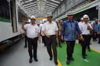 Menko Luhut Targetkan Uji Coba LRT Jabodebek April 2019