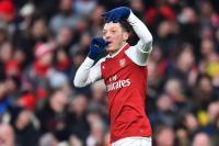 Wenger Tegaskan Ozil Akan Bertahan di Arsenal