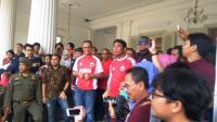 Dicegah Paspampres, Anies Baswedan: Yang Penting Persija Menang!