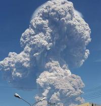 Semburan Abu Vulkanik Sinabung hingga ke Aceh Tenggara, BPBA Kirim Masker