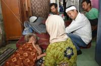 Dedi Mulyadi Penuhi Amanat Bertemu Pasangan Lansia di Karawang