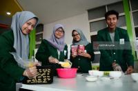Mahasiswa Surabaya Buat Biskuit Kalsium dari Kolang Kaling