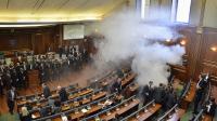 Anggota Oposisi Lepaskan Gas Air Mata di Parlemen Kosovo