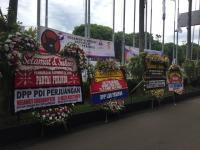 Karangan Bunga dari Petinggi Parpol Berderet Hiasi Lokasi Rapimnas Perindo