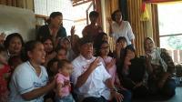 "Warga Kampung ""Spesialis Singkong"" Beri Dukungan Sekaligus Curhat ke Deddy Mizwar"