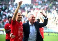 Robben Bahagia Bayern Raih Gelar Juara Liga Jerman 2017-2018