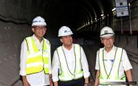 Menteri Budi Sambut Kedatangan LRT Palembang